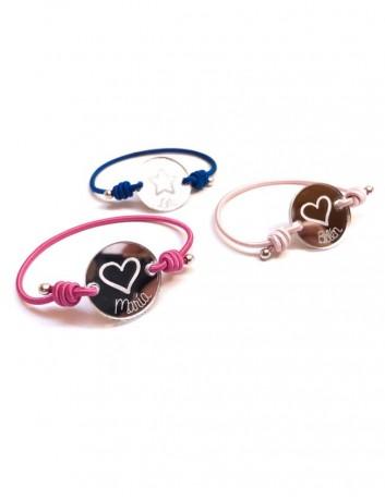 jewerly online pulseras cómodas para niños de colores grabadas con su nombre. regalo original para niños