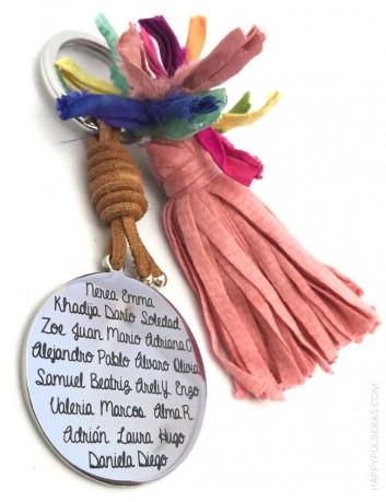 regala algo original a los profesores un llavero con dedicatoria y nombres de los niños