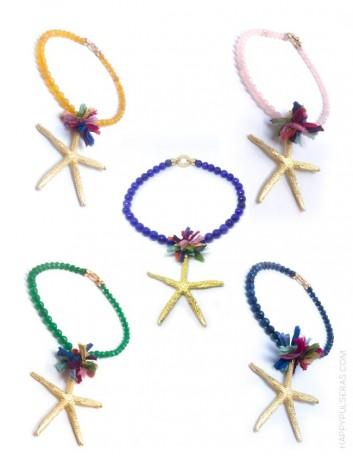 jewelry online madrid collar piedras naturales con estrella mar dorada y pompón de seda de colores. Colores disponibles