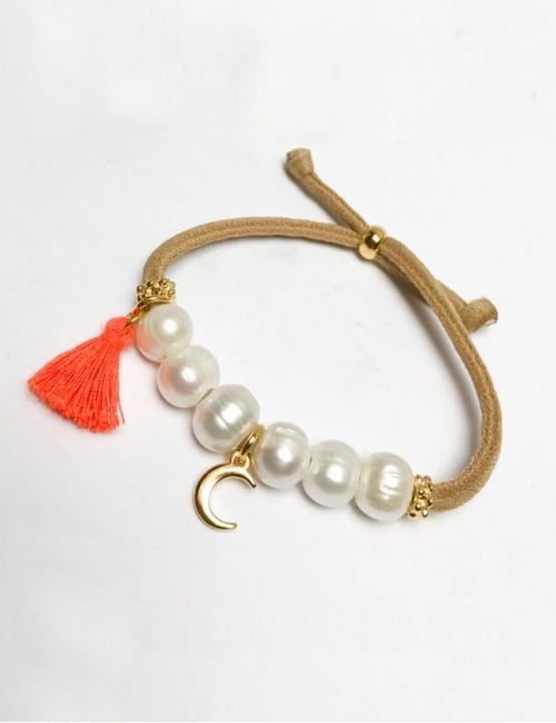 pulsera elástico grueso en camel con perlas y luna dorada