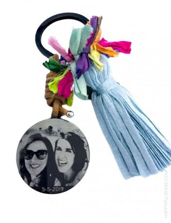 Compra llaveros titanio únicos grabados con una foto en nuestra joyería online de regalos personalizados- Happypulseras.com