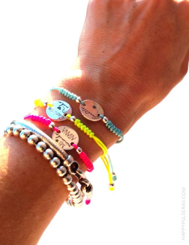 Pulseras color fluor- top ventas verano- personalizada con dedicatoria. Te lo diseñamos nosotros.