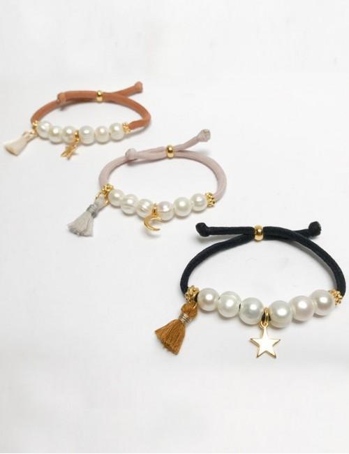 pulsera elástico grueso en teja, rosa o negro con perlas y estrella dorada
