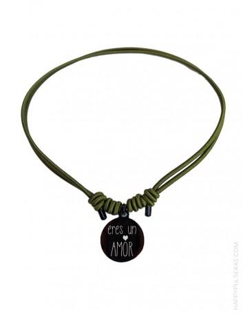 Collar elástico pegado al cuello para adolscentes con medalla para grabar el mensaje que quieras - Happypulseras