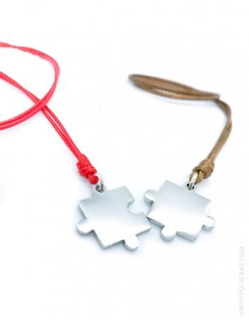 Colgante personalizado pieza puzzle para ir a juego parejas. Idea de regalo para San Valentín... Happypulseras.com