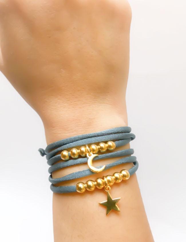 pulsera doble vuelta elástico seda azul petróleo bolitas estrella dorada, también como collar.
