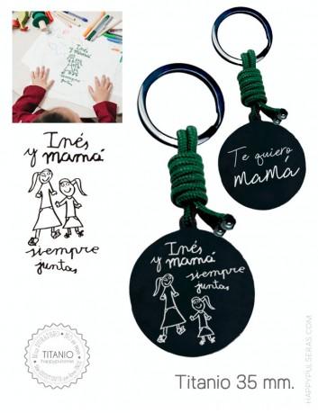 llavero personalizado para regalar a mamá grabado con el dibujo de su hijo, Happypulseras, expertos en grabado de joyas