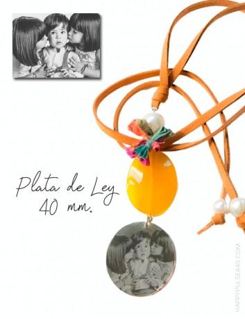 Collar personalizado para mamá con medallón de plata grabado con una foto- Happypulseras