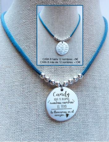 Regala a tu maestra una medalla de plata personalizada con una dedicatoria molona. Te lo hacemos en Happypulseras.