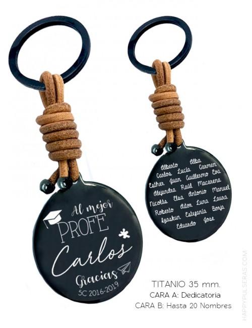 Llavero para profesores de Titanio y cuero grabado con dedicatoria y nombres de los alumnos en Happypulseras