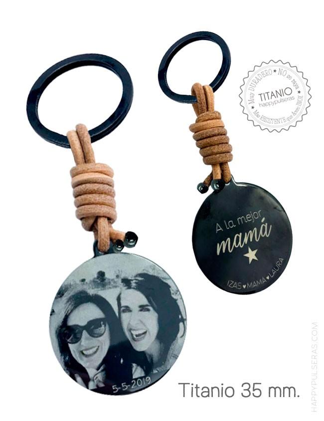 Grabamos tus fotos favoritas sobre llaveros de titanio y cuero , idea genial de regalo- Happypulseras