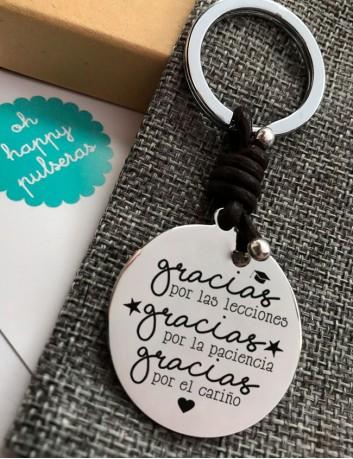 Llaveros con medallas personalizadas grabadas con mensajes molones en Happypulseras
