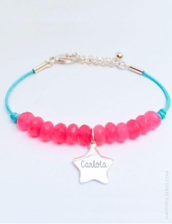Pulsera piedras naturales rosa fucsia con estrella de plata grabada con nombre, happypulseras