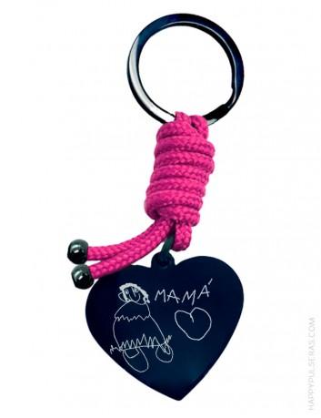 llavero de acero negro en forma de corazón personalizado con un dibujo o escrito a mano. Happypulseras.com