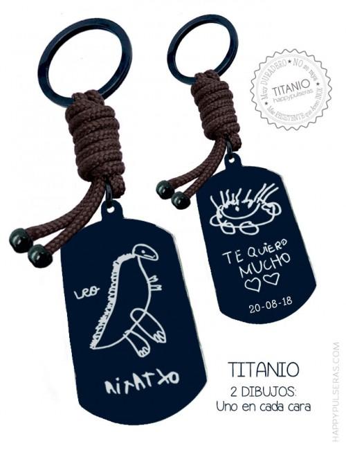 Llavero medalla negra con cordón marrón chocolate grabado dibujos de niños o escritos a mano. Happypulseras