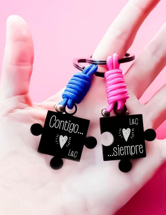 Llavero-puzzle-para-parejas-personalizalo-con-dedicatoria-regalo-novios