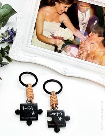 Llavero personalizado puzzle para parejas grabado con vuestro nombre, fechas, palabras... Happypulseras.com