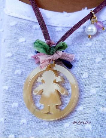 Collar gargantilla personalizable con colgante niños en color mora- Happypulseras