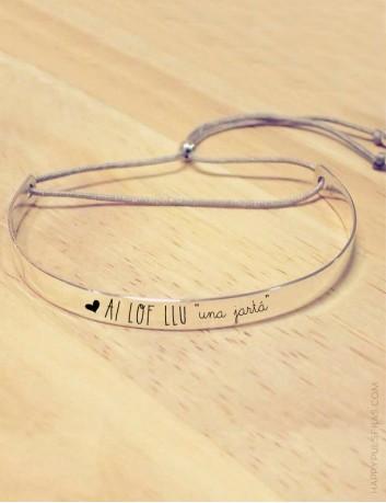 Pulsera rígida-de-plata-con-mensaje-personalizado-te-quiero-para-enamorados-Happypulseras