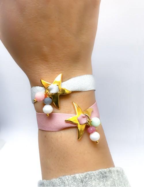 pulsera elástico plano ancho de colores con estrella de mar dorada y bolitas de colores a juego