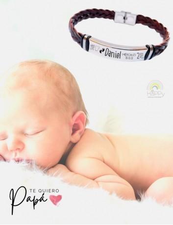 Pulsera de cuero trenzada grabada con datos de nacimiento del bebé. Regalos para papá en Happy