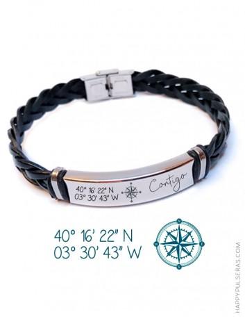Regala una pulsera de cuero con las coordenadas que quieras, puedes añadir texto. Grabados originales en Happy.