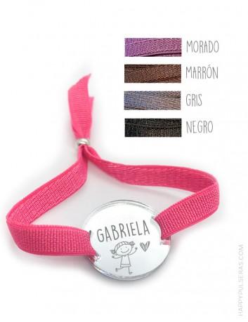 Pulsera con elástico de colores y medalla acrílico grabada con lo que quieras- Pulseras personalizadas Happy.
