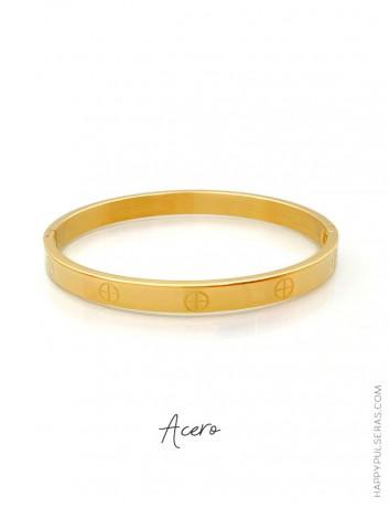 Descubre nuestros brazaletes de acero y aprovecha la oferta comprando 3 unidades- tono  dorado. Happypulseras