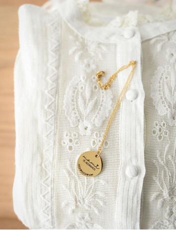 Cadena dorada con medalla de 25 mm. para personalizar con tu dedicatoria- Happypulseras