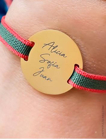 Pulsera elástica de acero dorado para personalizaar con el mensaje que quieras. Verde y rojo bicolor. Happy
