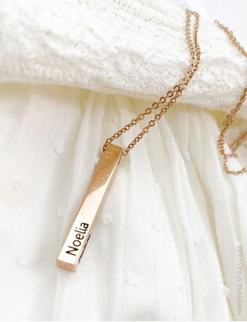 Colgante dorado grabado 4 lados - Lingote dorado personalizado- En Happy