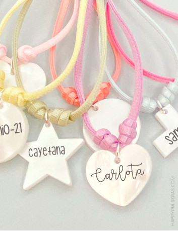 Elige la forma que más te guste y te grabamos el nombre- Happypulseras- Collares ideales para el verano