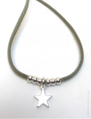 collar o pulsera doble vuelta cordón seda verde con estrella plata