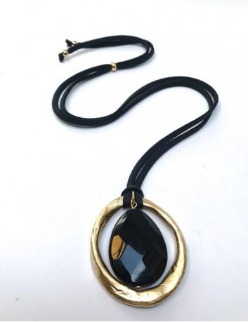 Collar seda elástico con piedra natural al tono y círculo dorado