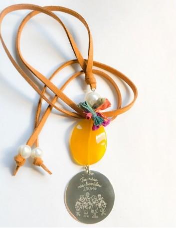 collar con piedra a color y  medalla plata grabada con frase, nombres o dedicatoria. Varios tonos disponibles