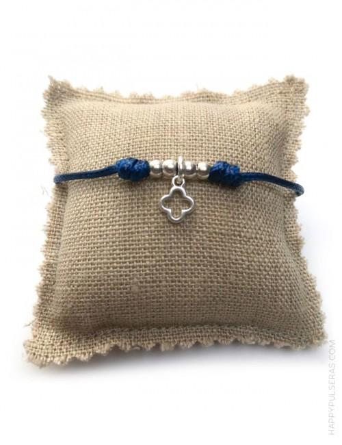 Pulsera de hilo de algodón con colgante de cruz griega en plateado o dorado. Detalles para comuniones.