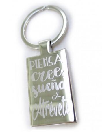 llavero de acero rectangular con frases bonitas y originales. Puedes personalizar con dedicatoria