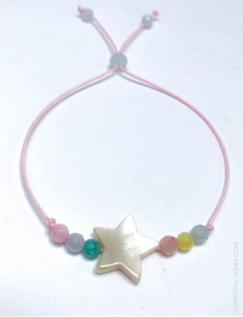 Pulsera hilo macramé con piedras naturales en colores pastel y charm nacarino a elegir. estrella nácar.