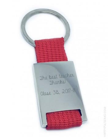 regalo original para profesor llavero con dedicatoria y nombre de los niños, regalos a buen precio para profesores