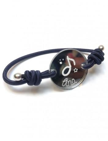 pulsera cordon seda con medalla de 20 mm para grabar lo que quieras. Regalos para comuniones, bautizos