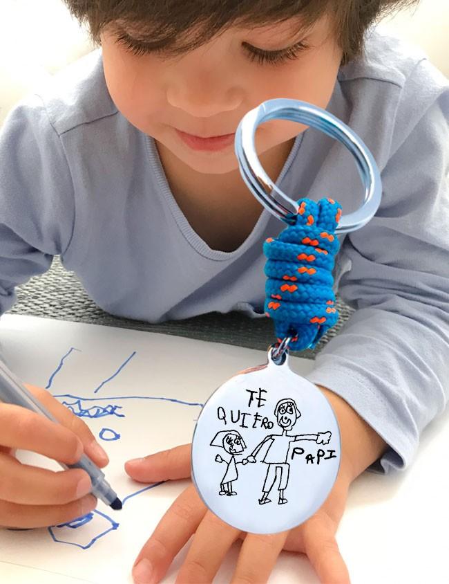 Regalo personalizado para papá: llavero grabado con el dibujo de su hijo